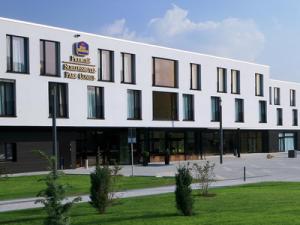 Schlosshotel Park Consul Heidenheim - Aussen_03_400x300